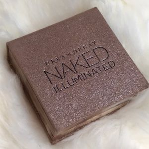 Urban Decay Naked Illuminated Shimmering Powder